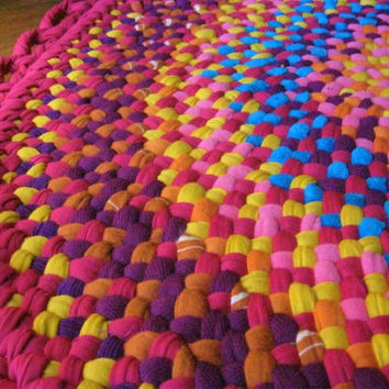 Fushia Sunshine Round Braided Rug from recycled by mrsginther