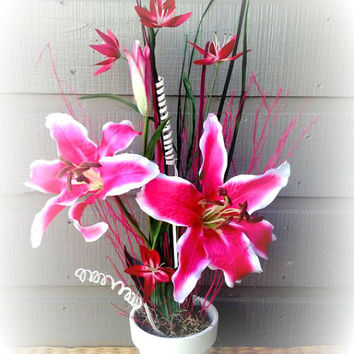Handmade Artificial Floral Arrangement: Lily Artificial Floral Arrangement (Handmade)