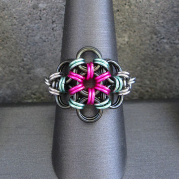 Chainmaille Ring, Chain Maille Jewelry Metal Flower Ring, Hot Pink Ring, Chain Maille Jewelry, Chainmail Jewelry, Pink and Green Ring