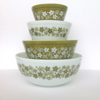 Vintage Spring Blossom Green Pyrex Mixing Bowl Complete Set