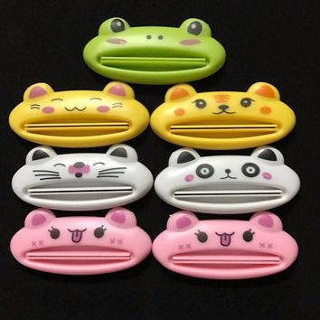 DCCKL72 1 x Cute Animal Toothpaste Squeezer Dispenser Organiser travel tidy Kids