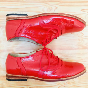 Oxford leather shoes for women, red patent leather shoes, tied shoes, red leather shoes, daily use shoes, low heel tied shoes, dance shoes