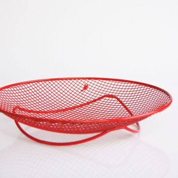 Retro red wire dish, Eames era wire rinket bowl, red kitchen decor, vintage metal wire fruit bowl, 1960 MOD wire decor,red wire bread basket