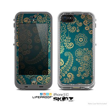 The Green & Gold Lace Pattern Skin for the Apple iPhone 5c LifeProof Case