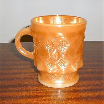 Vintage 1950s Anchor Hocking Fire King Kimberly Peach Lustre Mug / Milk Glass Mug Made in USA / Diamond Pattern Coffee Mug / Oven Proof