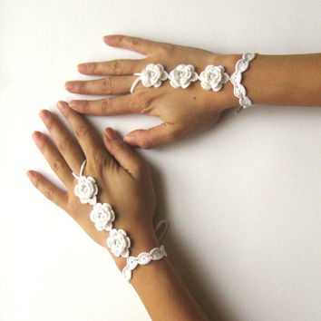 White Bridal Cuffs Wedding Hand Cuffs Crochet Wrist Cuffs Hand Jewelry Summer Cotton Fingerless Gloves Flower Cuffs Maid of Honor - SC0009