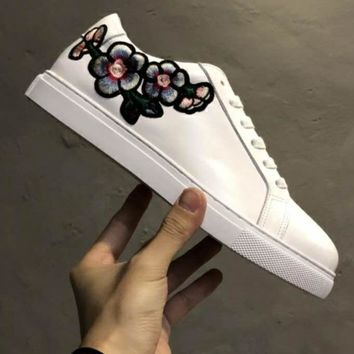 UGG OZLANA Trending Hot Sale Women Small White Shoes Flower Embroidery Sneakers Flat Shoes B-CSXY White