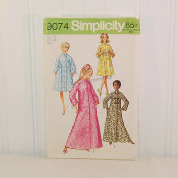 Vintage Simplicity 9074 Misses' Robe In Two Lengths (c. 1970) Misses' Size 12, Bust Size 34 Inches, Vintage Robe, Retro Styling, Bathrobe