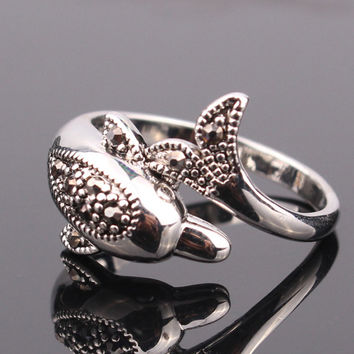 New Fashion 18k white gold plated Punk Black Crystal Dolphin rings for women