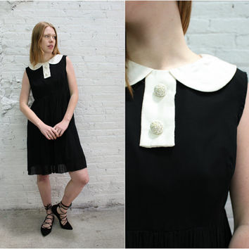 50s 60s black sleeveless cocktail dress / peter pan collar party dress / black and white mod dress