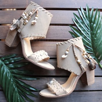 Boho shell leather sandals in taupe