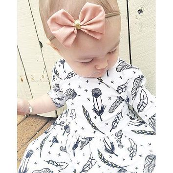 Retail 2016 New Summer Baby Girl Clothes White Feather Pattern Cotton Half Sleeve Knee Length Dress Toddler Girl Clothing