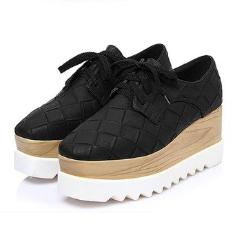 New Classic Plaid Women's Platform Shoes Woman Brogue Patent Leather Flats Lace Up Footwear Female Flat Oxford Shoes For Women