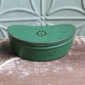 Vintage Bait Tin, Old Pal Cricket Can, Green Metal Bait Can, Fishing Caddy, Belt Clip