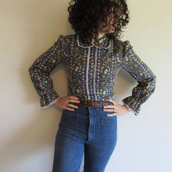 Vintage 60s 70s Blue Calico Floral Prairie Country Wild West Boho Hippie Peasant Peter Pan Collar Top Shirt