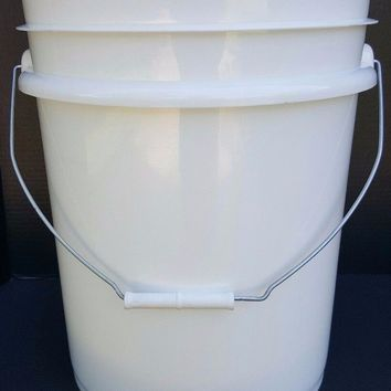 New 5 Gallon  Bucket Pail With Handle Food Grade Heavy Duty 90Mil White USA Made