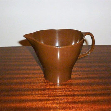 Vintage 1960s Dark Brown Bessemer Milk Jug Creamer / Retro Melamine Plastic Table Pitcher
