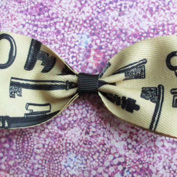 key hair bow Alice in wonderland hair bow skeleton key clip vintage classic black beige gothic wedding