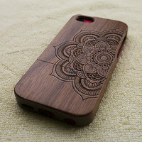 mandala iPhone 5C case, wood iPhone 5C case, mandala iPhone 5C case, floral iPhone 5C case, wooden iPhone case, W3015