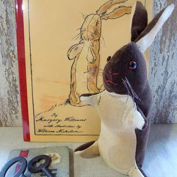 Rabbit inspired by The Velveteen Rabbit: Artist bear. Perfect for a heirloom gift, baby room or child's room, or for the child in you!
