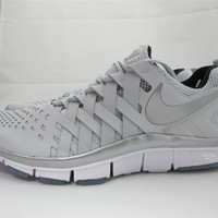 NEW MEN'S NIKE FREE TRAINER 5.0 579809-001 PURE PLATINUM/ RFLCT SLVR- IC BL