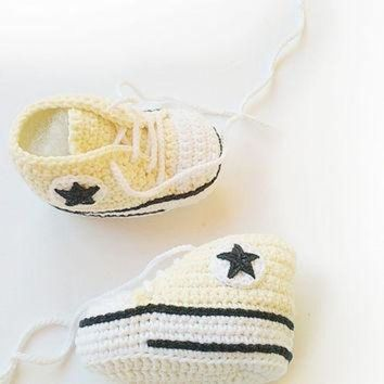 DCCKHD9 Champagne crochet baby shoes, Converse baby shoes, Converse slippers, Crochet booties,