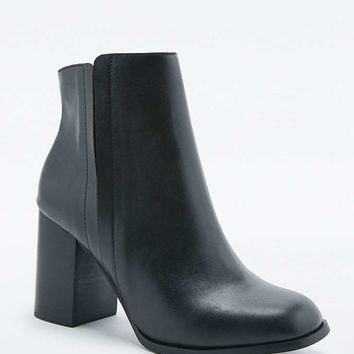 Tyler Black Vegan Leather Ankle Boots - Urban Outfitters