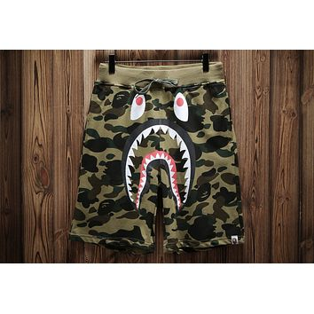 AAPE 2018 summer new wave brand shark camouflage printed loose five points shorts F-A-KSFZ green