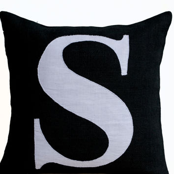 Personalized throw pillow covers - Burlap pillows- Black White monogram cushion -applique -initial pillow -Decorative throw pillows- 18x18