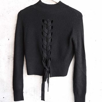 olivaceous - lace-up back cropped sweater - black
