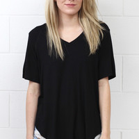 PIKO: Loose Fit U-Hem V-neck Basic {Black}