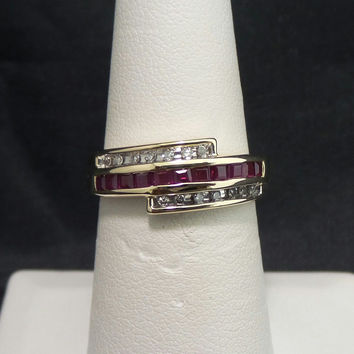 Solid 14K Yellow Gold .33 ctw Ruby Diamond Wedding Anniversary Band Ring - Size 7