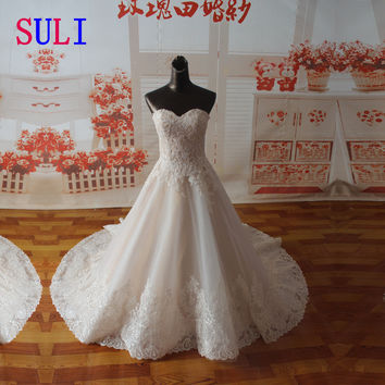 SF1129 Real Sample A-line Bridal Gown Sweetheart Neckline Applique Wide Hemline Wedding Dresses