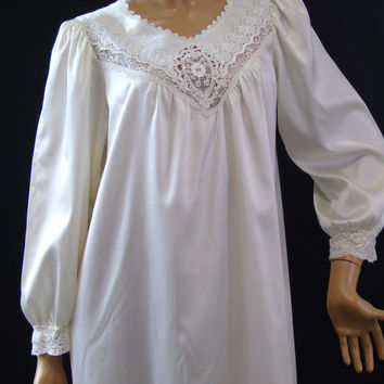 Christian Dior Saks Fifth Avenue Nightgown Lace Embroidered Cutwork Nightie Vintage Size S Icy Satin