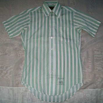 11-1024 Vintage 1960s New Old Stock Button Down Shirt Short Sleeve Shirt / Nerd Shirt / Men's 60s Striped Shirt / SEARS Striped Shirt