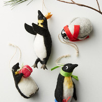 Bundled Penguins Ornament Set