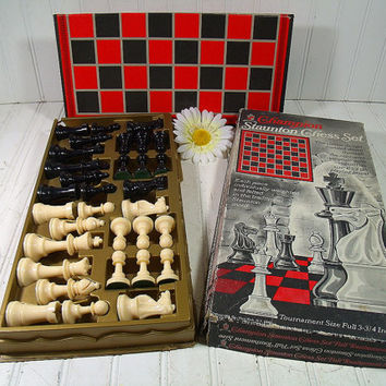Vintage Champion Staunton Tournament Size Chess Set - Classic Design with Regulation Playing Board - Retro Game Equipment for Repurposing