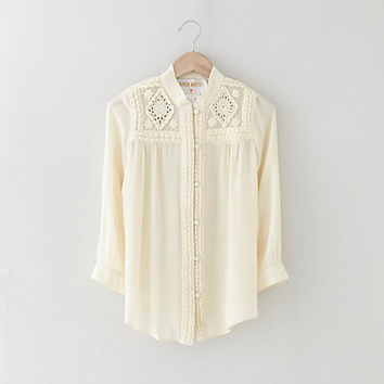 BEARSVILLE EMBROIDERY BLOUSE