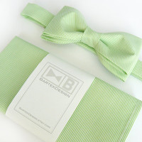 Wedding set for men - bow tie and pocket handkerchief by BartekDesign - white apple green cotton chic grooms