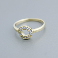 Tiny Circle 'O' detailed with CZ( Cubic Zirconia) Setting Ring in Gold