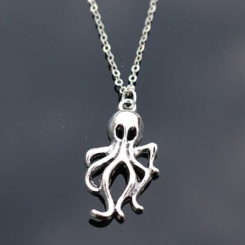 N815 Beach Jewelry Pendant Necklace Clavicle Octopus Necklaces Bijoux Collares For Women Men Fashion Summer Wear
