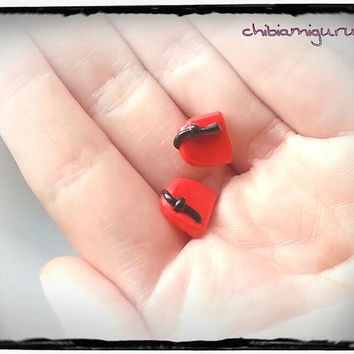 Doctor Who fez stud earrings chibi in polymer clay. Choose surgical steel. 11 Eleventh doctor Matt Smith.