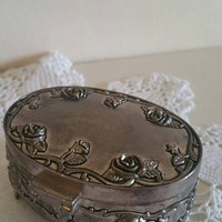 Pewter trinket box/red velvet lining /c1970s/ ladies gift/bridesmaid gift/jewellery box/ ships worldwide from UK