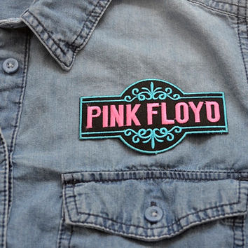 PINK FLOYD Iron on Patch Singer Patches Retro Band Music badge sew Embroidered Pin Pop Thrash Metal Cut Out Design Scroll Fancy