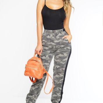 Pretty Close Camo Pants - Grey