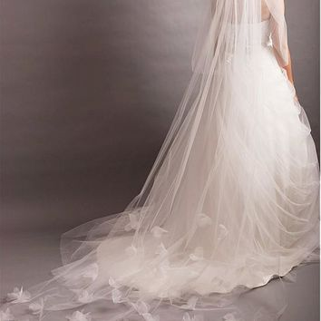 [51.75] In Stock Gorgeous White Tulle Two-tier Veil With Tulle Flowers For Your Glamorous Wedding Dress - dressilyme.com