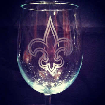 New Orleans Saints Fleur De Lis handmade etched wine glass