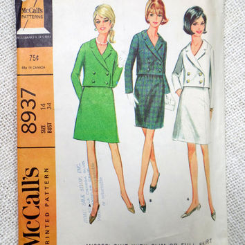 Vintage McCall's 8937 sewing pattern 1960s Jackie Kennedy Onassis suit Double breasted Stewardess Cropped  jacket Skirt  Bust 34 Uncut