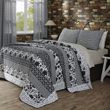 Claire Bedding 3 Piece Set