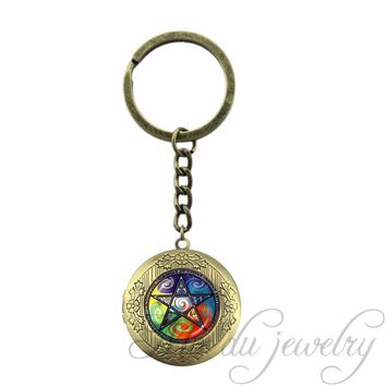 Glass Dome Locket Pendant Colorful Pentagram Key Chain Ring Charms Occult Locket Keychain Pentacle Wiccan Jewelry Accessories